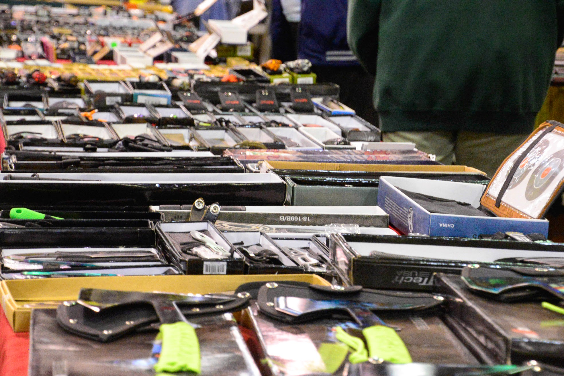 A.G. Schneiderman Tours Syracuse Gun Show | New York State ...